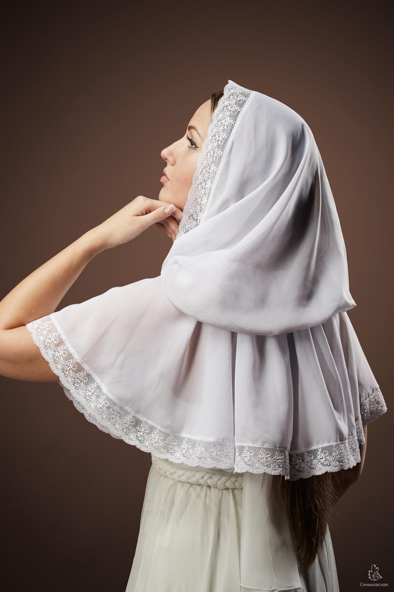 Связанные платками девушка 16 фотография